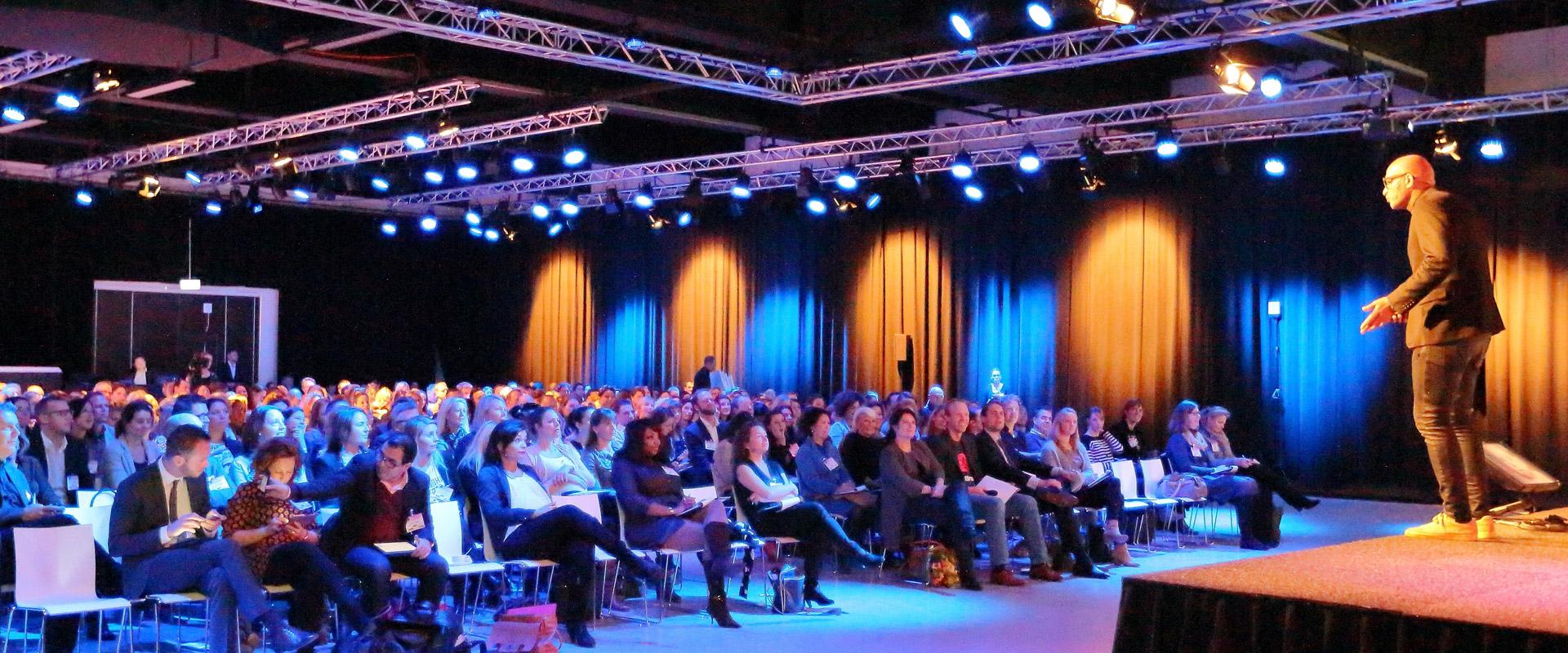 Congressen uw congres of seminar bij de broodfabriek - Moderne entreehal ...